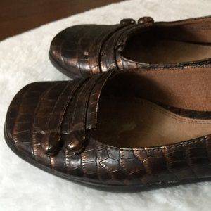 Life Stride Brown Snakeskin Loafers US 8